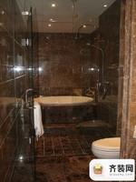 绿地中央墅360平别墅三楼卫生间浴盆