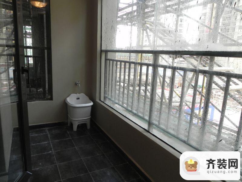 万科蓝山200㎡雍景大平层北阳台